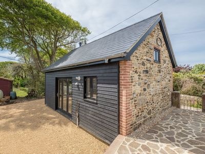 Photo for 1 bedroom accommodation in Brook, near Brighstone