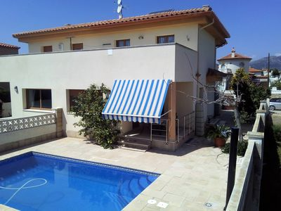 Photo for Villa with private pool, air conditioning for 8 people, 600m from the beach