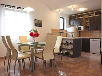 Photo for Apartment in the center of Mirca with Internet, Air conditioning, Parking, Terrace (993236)