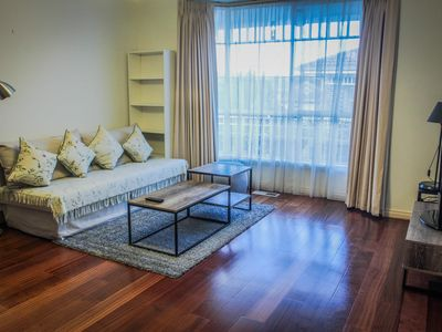 Single Level Townhouse walk to Box Hill Central