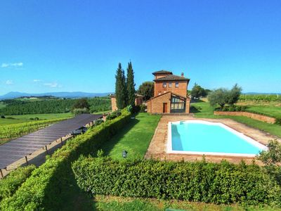 Photo for Farmhouse with swimming pool, overlooking vineyard Vino Nobile di Montepulciano