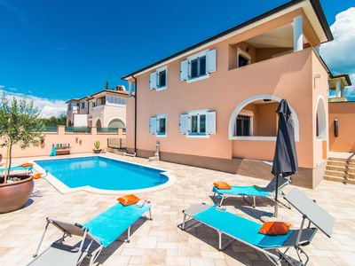 Photo for Perfect base for exploring Istria, near Novigrad and beach, with private pool