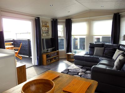 The Beach Hut - Living area