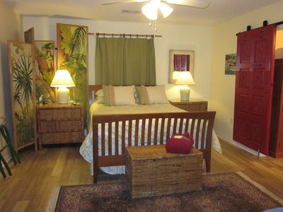 Gorgeous & Spacious Bedroom w/luxury mattresses makes your week truly relaxing!