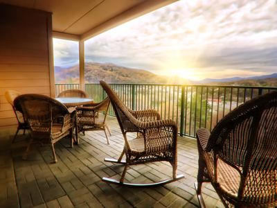 Condo with breath-taking views ,indoor/outdoor pools ,workout room 5003