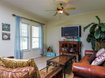 Photo for Cora Lee Gulfview 104: Like BEACHFRONT convenience w/ LOW PRICE! POOL & HOT TUB!