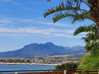 Photo for 4BR House Vacation Rental in Cape Town,