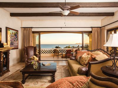 Photo for Beautiful 3BD Condo in a Beachfront Community