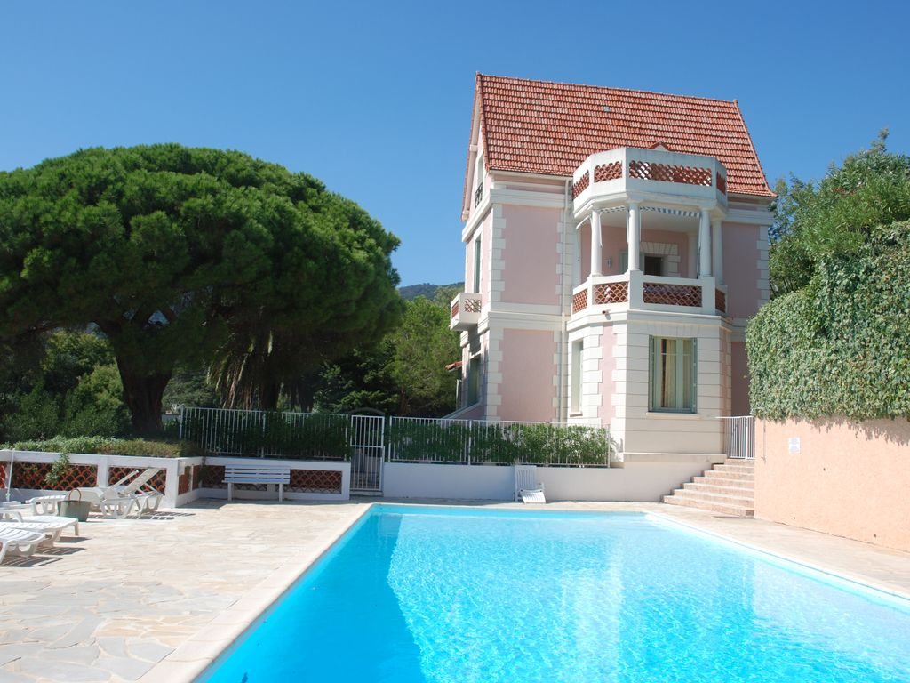 Cavalaire Sur Mer Apartment Rental   View Of The House And Swimming Pool