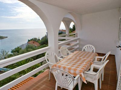 Photo for Two bedroom apartment with terrace and sea view Potočnica (Pag)