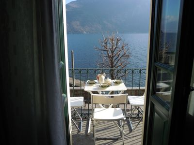 Photo for Centrally located 4½-room house with fantastic lake view