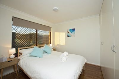 Back Beach Room - Queen bedroom downstairs, with large built in wardrobes