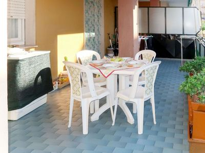 Photo for Beautiful apartment for 4 people with WIFI, TV, balcony, pets allowed and parking