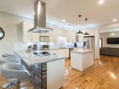 Photo for New Contemporary Home Downtown Arlington 3 Bedroom 4 Bathrooms