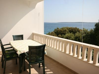 Photo for Two bedroom apartment near beach Mandre (Pag)