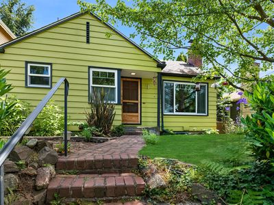 Photo for Adorable Cottage w/ Outdoor Living, Close to UW, Husky Stadium, U District & U Village! 10% OFF!