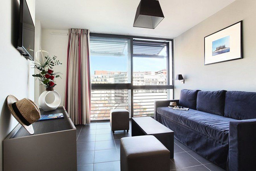Appart 39 h tel prado 2 pi ces 4 personnes rouet for Appart hotel amsterdam 4 personnes