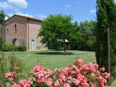 Photo for pretty small house with pool and jacuzzi at Monte San savino in the heart on Tuscany, modern furniture and air condition, ideal place for couples or small families