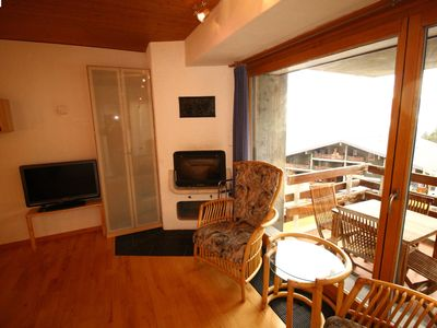 Photo for 3 room apartment with living room, TV, fireplace. One bedroom with a double bed. Two bathrooms with