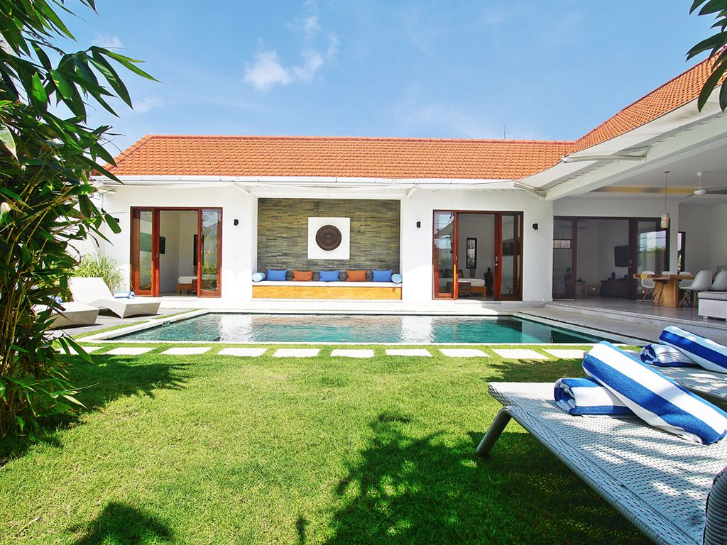 villa buddha: seminyak 3 bedroom villa with pool - 3669786