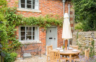 Photo for Hope Cottage is a beautiful Cotswold stone cottage located in the heart of the village of Paxford