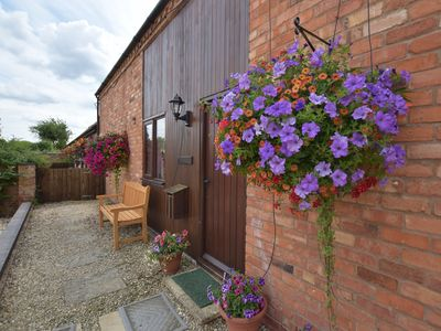 Photo for 4 bedroom Barn in Stratford-upon-Avon - CC067