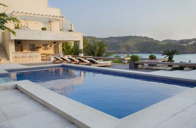 Photo for Buz046 - Luxurious 8 bedroom beach view villa in Buzios