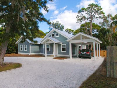 Photo for New (2012) 3BR/2.5BA House, Hugh Fenced Yard, 5 Blocks To Siesta Beaches