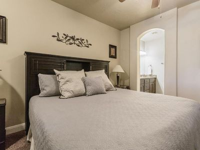 Photo for Zion Red Rock Vacation Condo at Coral Ridge; Close to Saint George, Utah