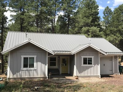 Cottage Retreat in the Pines