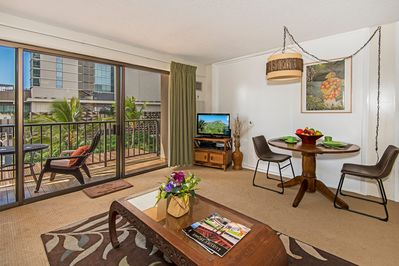 Alluring and Spacious One Bedroom Condo with City View