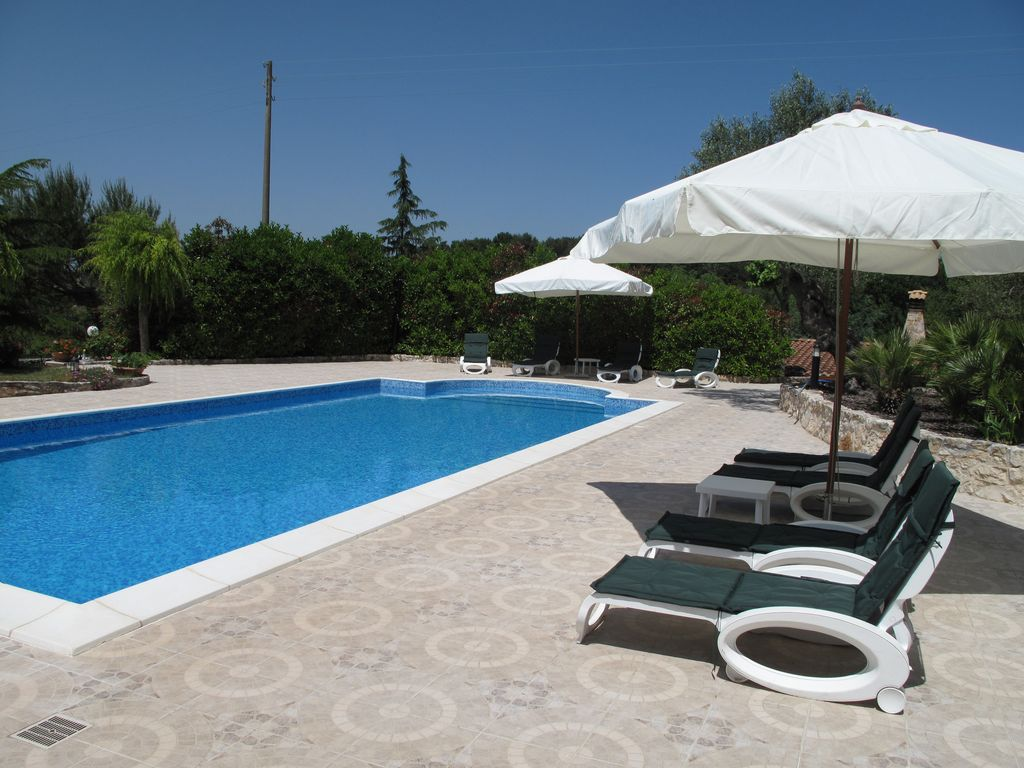 Lovely Trullo large Pool, Jacuzzi, WIFI. Gr... - HomeAway