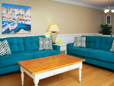 luxury pool view 3 b/ 2.5 bath condo has it all;.Great location, close to Pier