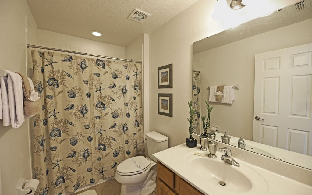 Providence Resort 15 - Modern villa with private pool & game room - near Disney - Six Bedroom House, Sleeps 12