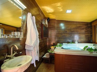 Photo for Romantic Rural Cottage with JACUZZI Private for 2 people. C. UPSIDE DOWN