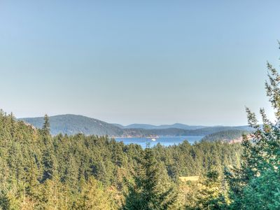 Photo for Beautiful new home with a view!