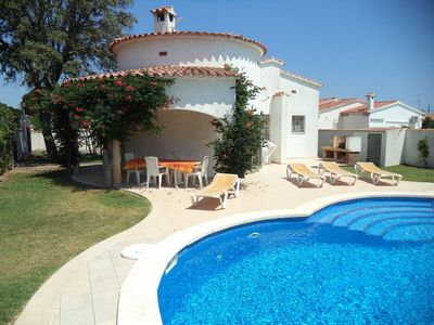 Photo for House with superb  pool and big garden, wifi, parking in L'Escala, 7 people