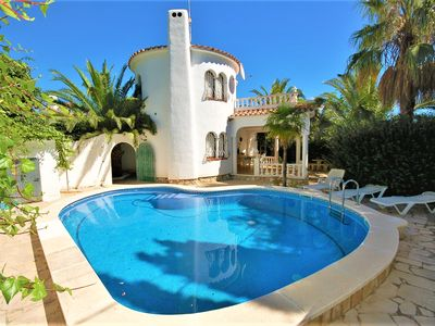 Photo for Charming holiday home with private pool, for 6 people