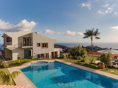 Photo for NEW Fabulous villa, Funchal, panoramic sea-view, heated pool, hot tub | BelAir