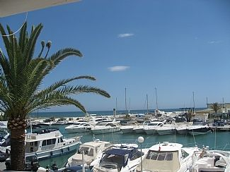 Photo for Stunning Frontline 2 Bedroom Apartment with Port and sea views