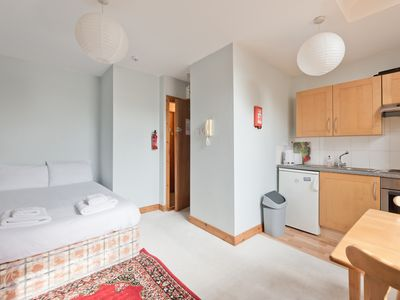 Photo for 7 Clean apartment, 10 minute walk from Dublin City