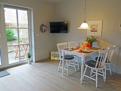 Photo for Apartment with large terrace, located on the Baltic Sea up to 4 people
