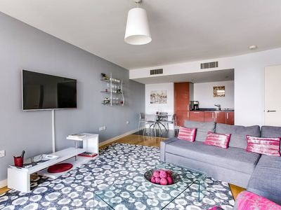 Photo for 1BR Home in South London w/Rooftop - Amazing Views