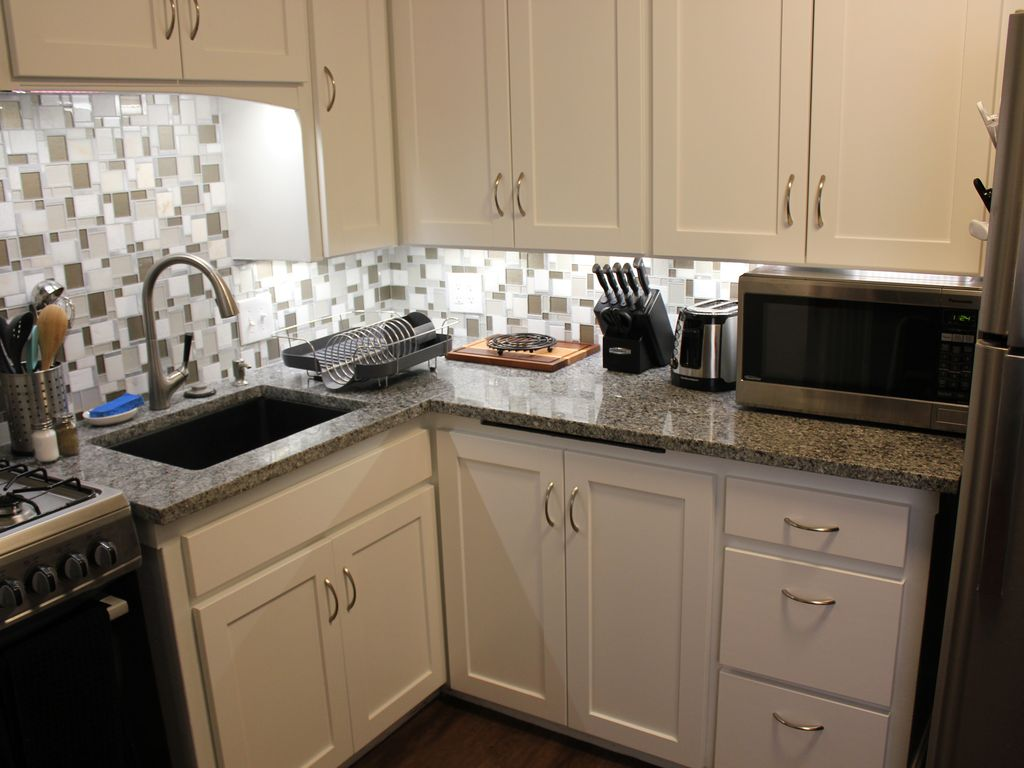 Newly Remodeled Lubbock Theme 1 bedroom near Tech!