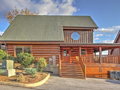 Photo for 'Cubbie's Cabin' Luxurious 2BR in Sevierville!