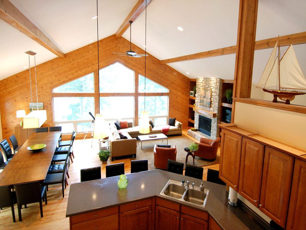 gorgeous large lake house w 500 sq ft homeaway innsbrook