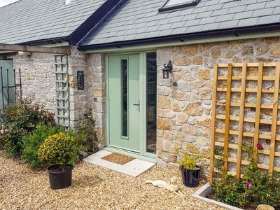 Poldhu Stables -  a barn conversion that sleeps 2 guests  in 1 bedroom