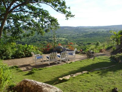 Photo for Chalet in the hills, 3 suites, pool, beautiful view, great climate and farm environment