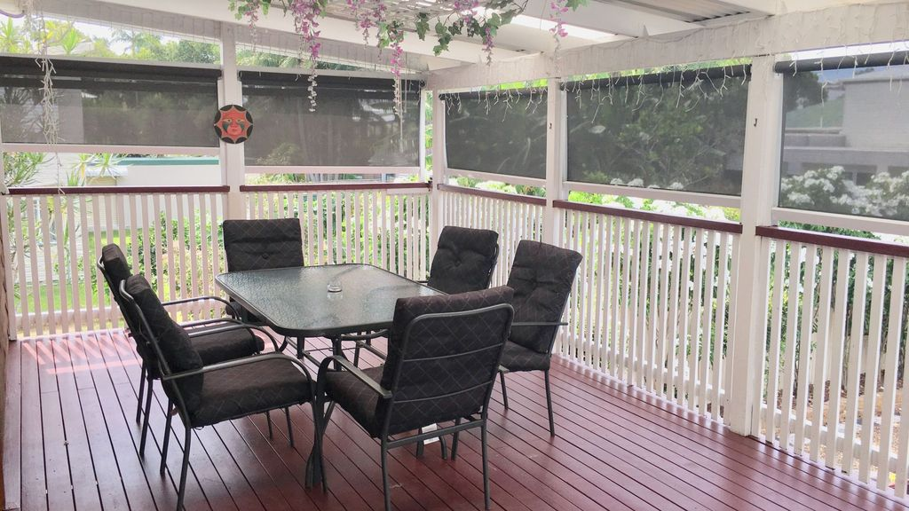 Whole Cottage Family & Pet Friendly Great Outdoor areas Close to Ferry