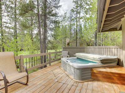 Photo for SHARC passes, private hot tub, chef's kitchen, and a game room!